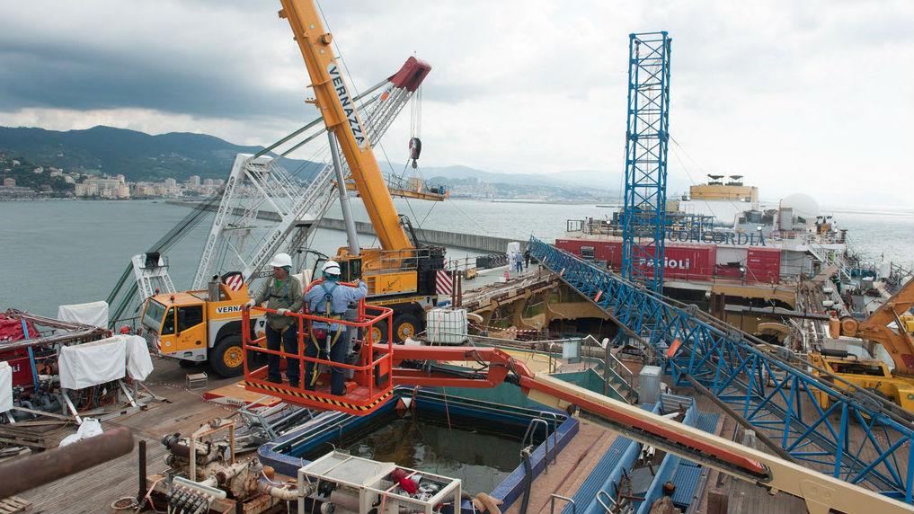 Costa Concordia Dismantling In Pictures Trade Newswire
