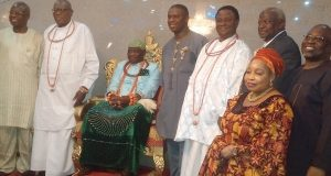 The Olu of Warri, Ogiame Ikenwoli Emiko in a photograph with Dr. Dakuku Peterside, some Management staff of NIMASA and Chiefs of the Kingdom during a visit to the Olu in his palace on Tuesday September 27, 2016.